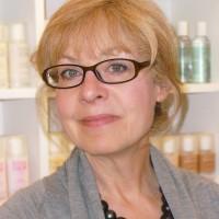 Lynne_Sanders_Founder_Cosmetics_A_La_Carte