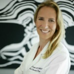 MEET DR. LISA CASSILETH: ONE-STAGE BREAST RECONSTRUCTION SURGEON