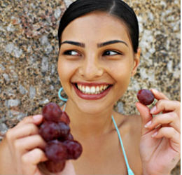 Woman-eating-grapes-22