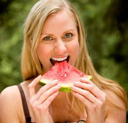 woman-eating-watermelon2