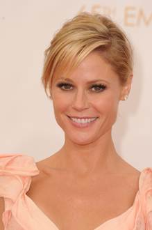 Julie Bowen in Neutrogena Cosmetics