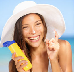 Teens-Sunscreen-Use