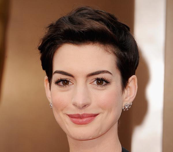 Anne Hathaway Oscars 2014 Chanel